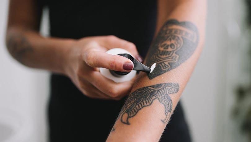 Pomada hidratante para tatuagem