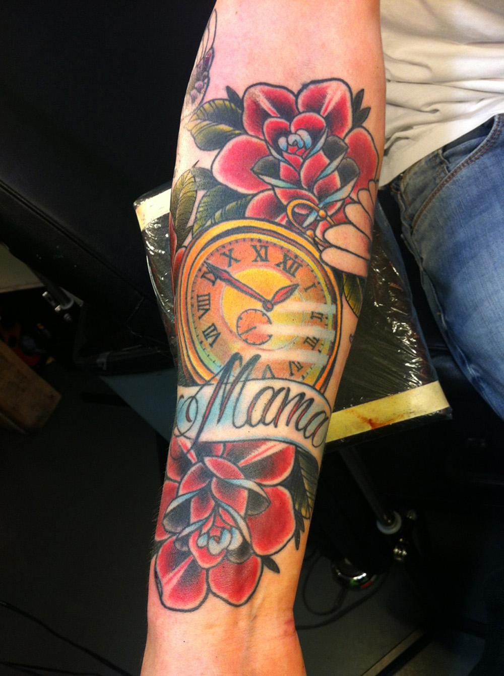 Tatuagem Com O Nome Da Mãe 17 Fotos Para Você Usar Como