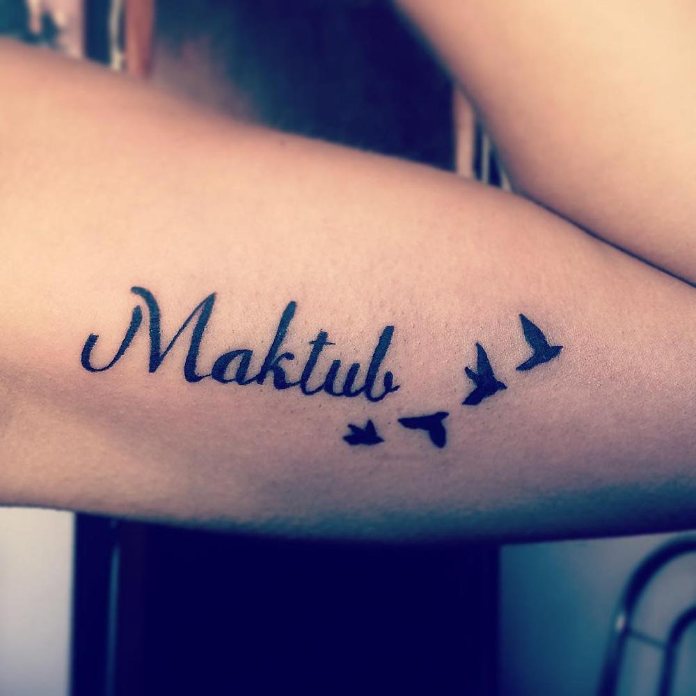 Tatuagem Maktub Estava Escrito O Destino Na Sua Pele