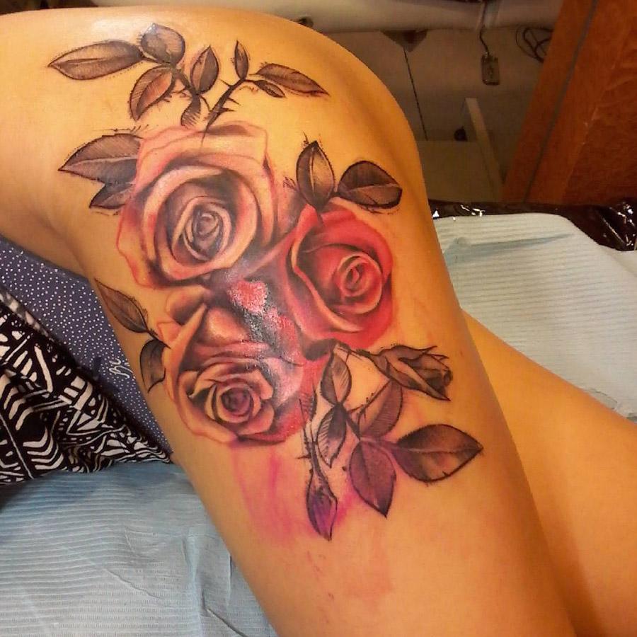 Tatuagem no quadril