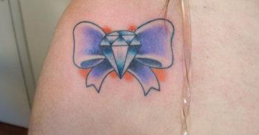 Tatuagens de laço