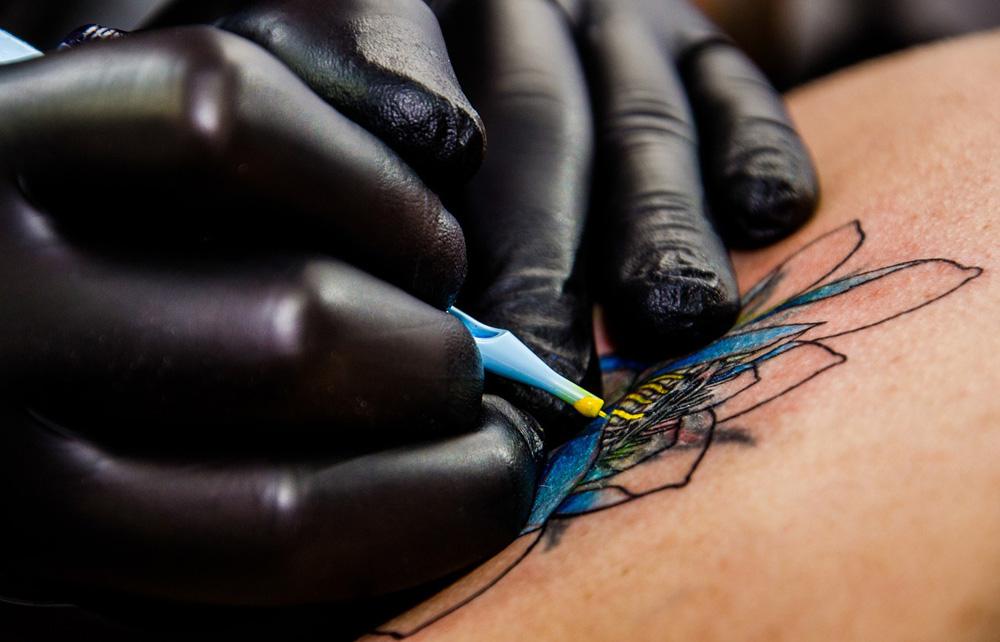 Alimentos para quem fez tatuagem