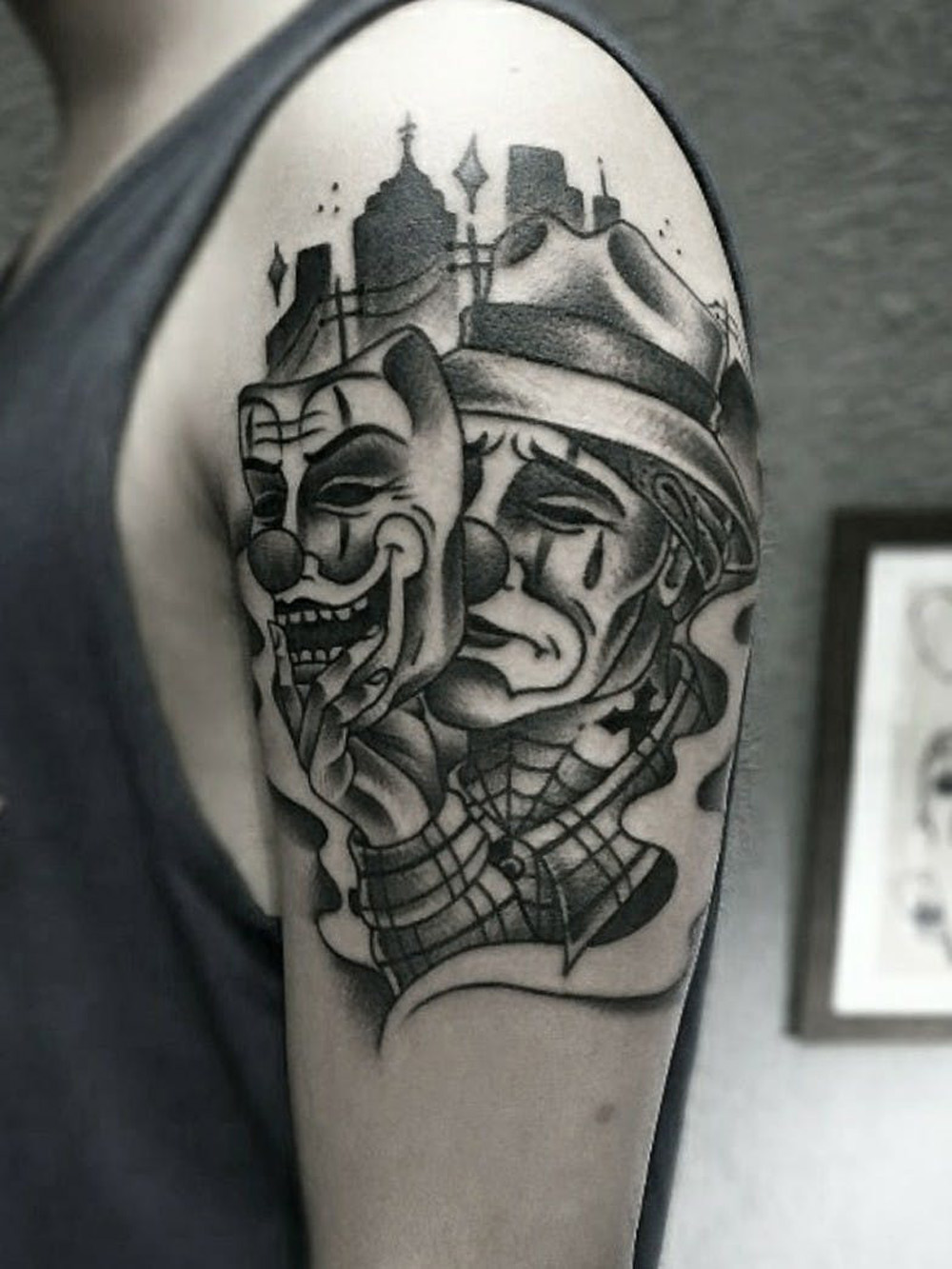 Tatuagem chora agora, ri depois