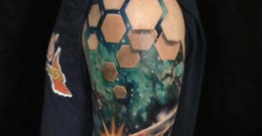 Tatuagem com ilusão de ótica