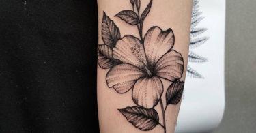 Tatuagem de hibisco