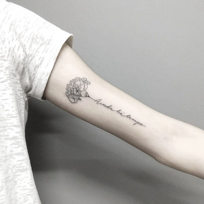 Tatuagem no bíceps