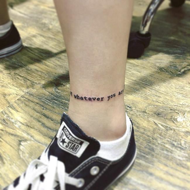 Tatuagem tornozeleira